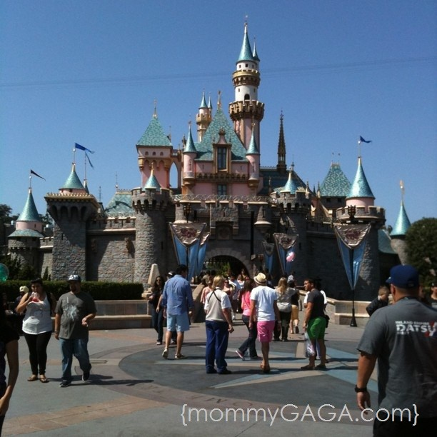Disneyland Main Street Magic Castle Fantasyland [mommyGAGA.com]