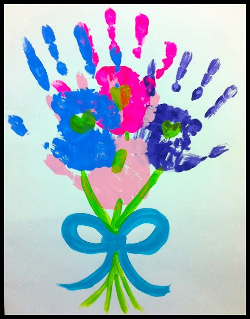 Mothers Day Craft Ideas For Kids Part - 36: Handprint Motheru0027s Day Bouquet, Trendy Treehouse