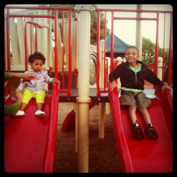 mommyGAGA Kids at the Park Slide