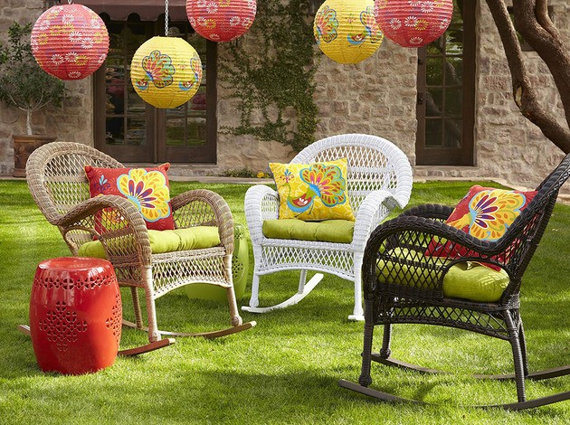 garden backyard decor inspirations wicker chairs and lanterns
