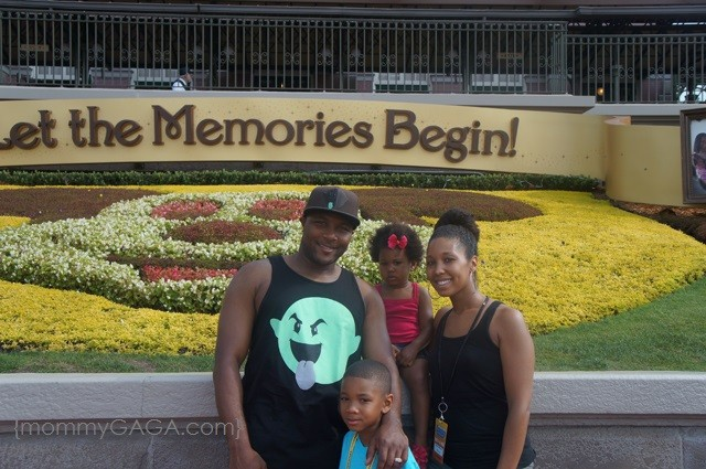mommyGAGA family at Magic Kingdom