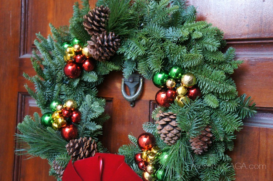 Simple Holiday Home: Decorating The Front Door Entryway With A ...