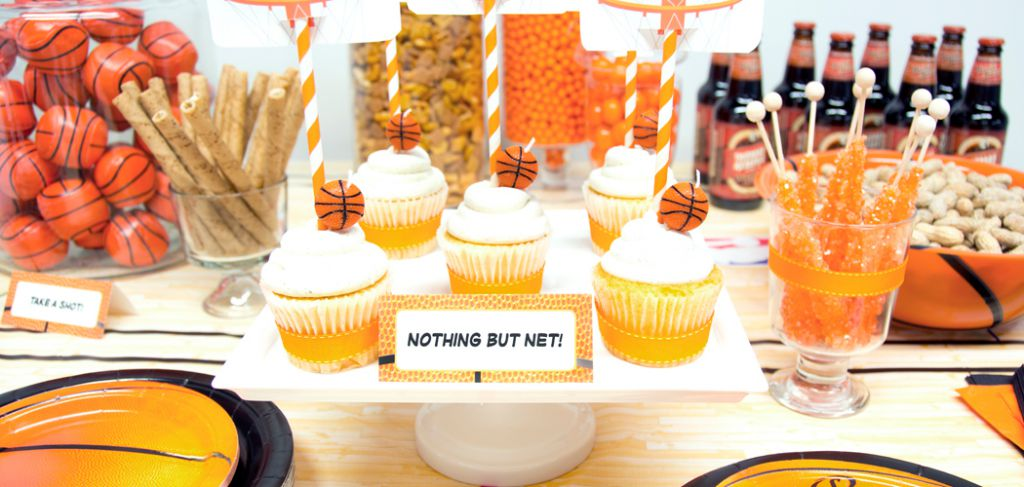 http://www.mommygaga.com/wp-content/uploads/2014/03/March-Madness-Basketball-Birthday-Party-Ideas1.jpg