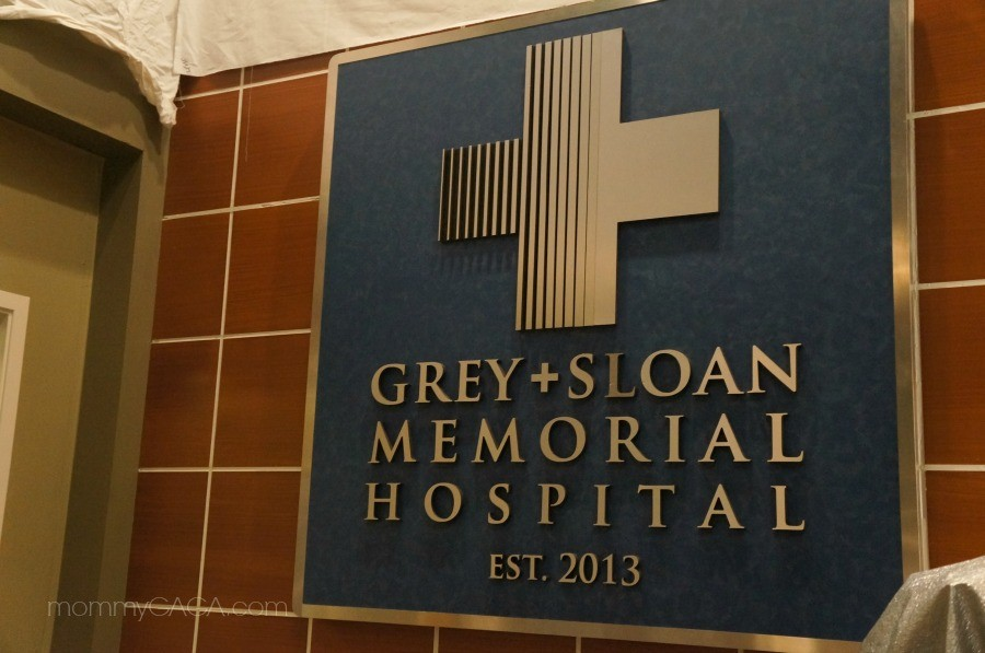 Grey Sloan Memorial Hospital Sign on Greys Anatomy Set ... | 900 x 597 jpeg 108kB