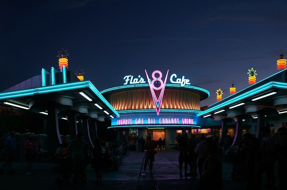 Flo's V8 Cafe, Carsland, Disney's California Adventure