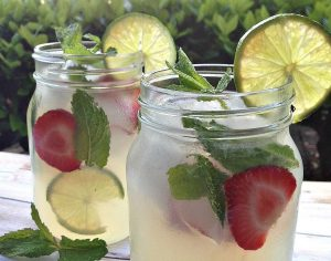 Refreshing Summer Drinks: Vodka Mint Lemonade Cocktail With Stoli | Honey + Lime