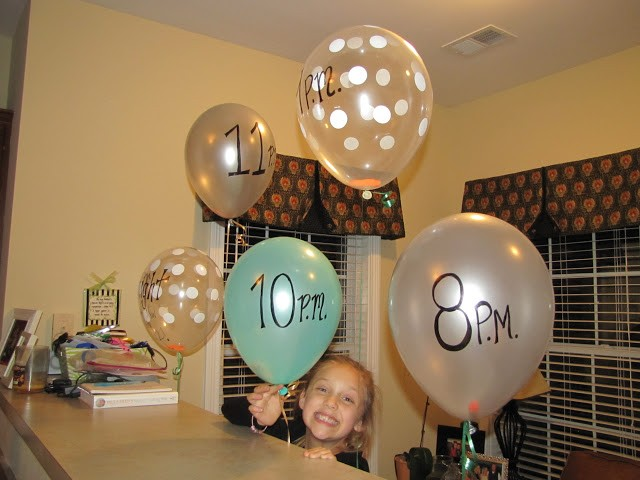 Countdown to the new year balloons, Real Dana