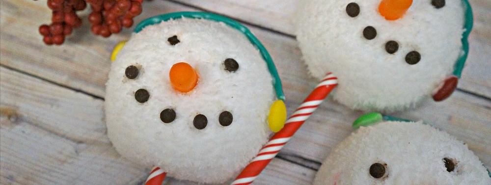 Snowman Holiday Treats made with Hostess Sno Balls