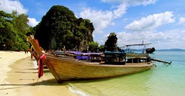 Boat on the beach in Phuket, Thailand, Flickr, Jeff Gunn