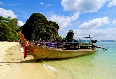 Boat on the beach in Phuket, Thailand, Flickr, Jeff Gunn