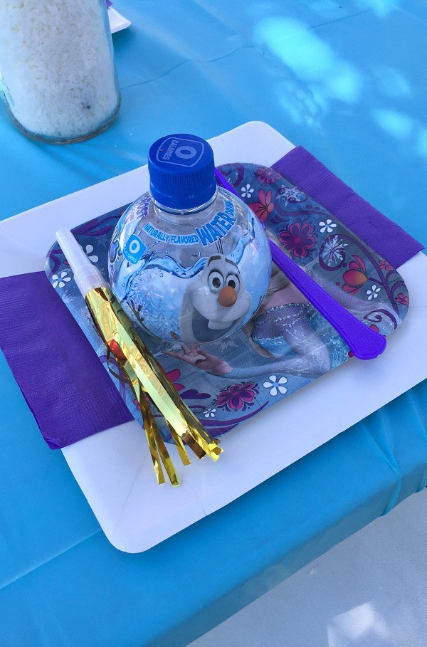 Frozen Birthday Party Ideas, Place setting at the kids table - Honey ...