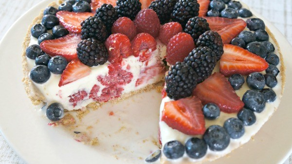 Summer Dessert- Vanilla Mixed Berry Frozen Custard Pie Recipe