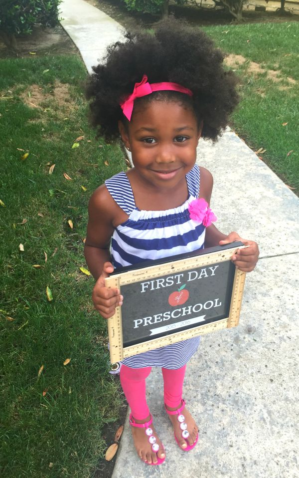 Free printable signs for the first day of school by grade