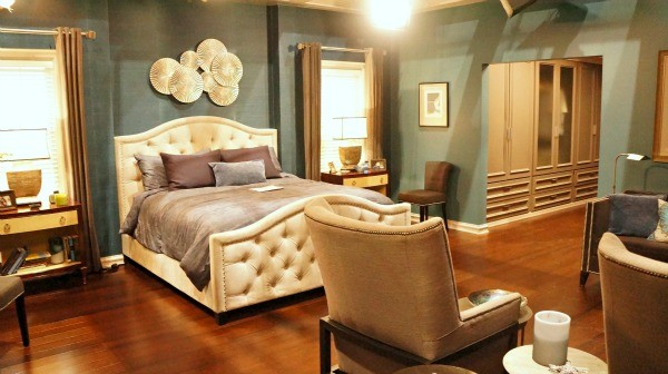 ABC's Blackish Set - Mr and Mrs Johnson's Master bedroom