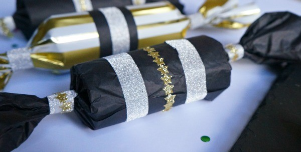 Make your own new years eve party popper using toilet paper rolls!