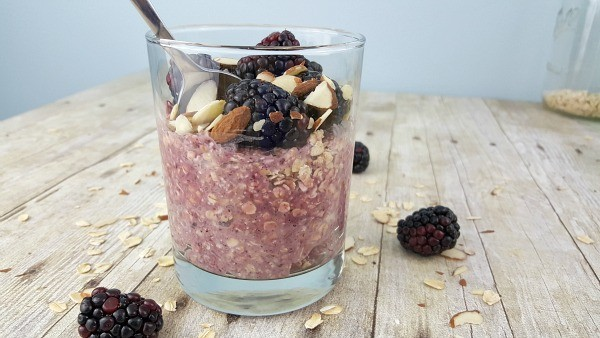 Blackberry Smoothie Overnight Oats