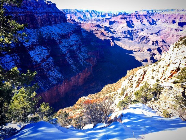 Grand Canyon Road Trip, a look down the deep canyon on the Kaibab Trail