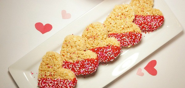 How to make heart shaped chocolate dipped Rice Krispies Treats for Valentine's Day