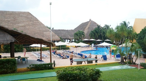 Family and kids pool at MELIA Vacation Club Cozumel
