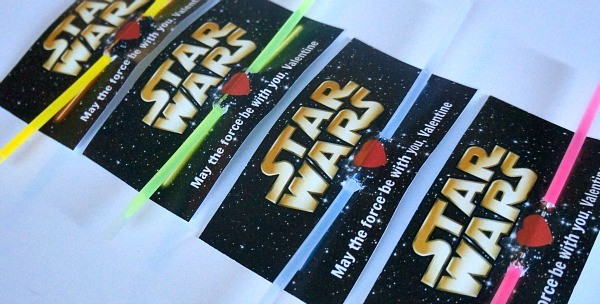 Print out free DIY Star Wars Valentines Day cards with lightsaber glow stick Valentines!