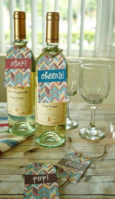 photograph relating to Printable Wine Glass Tags named Do-it-yourself Printable Wine Bottle Present Tags Tremendous Adorable and No cost In the direction of