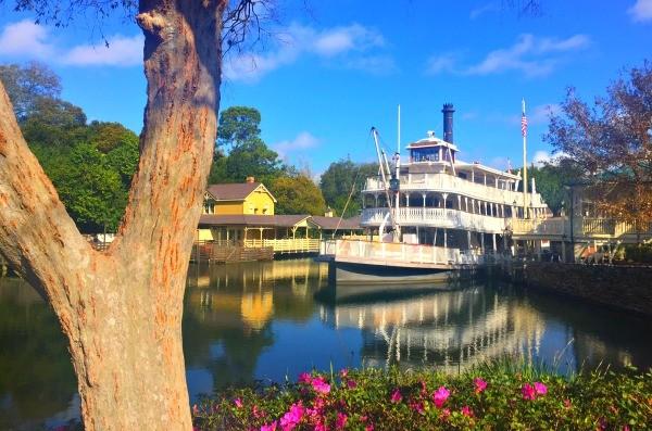 Disney's Magic Kingdom theme park, Liberty Square River Boat ride