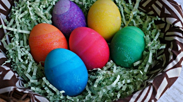 How To Make DIY Dyed Ombre Easter Eggs - These Are So Cool!