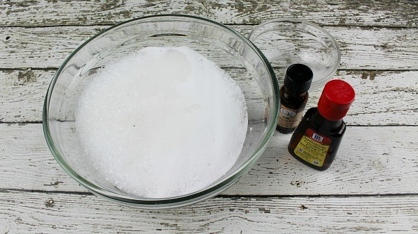 DIY Pina Colada bath salts recipe, learn how to make homemade bath salts with a few simple ingredients