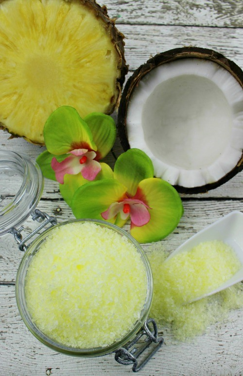 Homemade Tropical Pina Colada bath salts recipe! Escape to paradise with the scents of pineapple and coconut in your bath tub