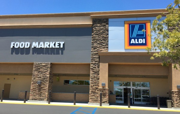 ALDI food market and grocery store, Vista, California