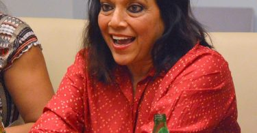 an-interview-and-some-fun-facts-with-disneys-queen-of-katwe-director-mira-nair