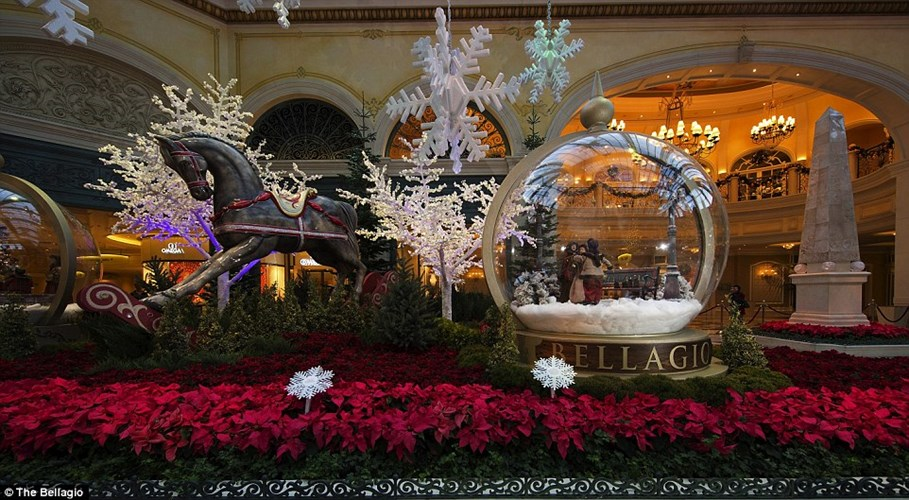 Bellagio Conservatory and Botanical Gardens Holiday display