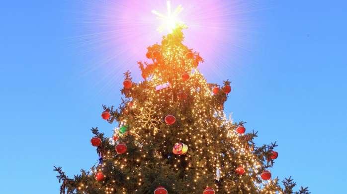 Christmas tree at The Park, photo: MGM Resorts