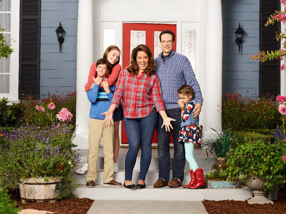 AMERICAN HOUSEWIFE - ABCs American Housewife stars Daniel DiMaggio as Oliver, Meg Donnelly as Taylor, Katy Mixon as Meg Donnelly, Diedrich Bader as Greg and Julia Butters as Anna-Kat