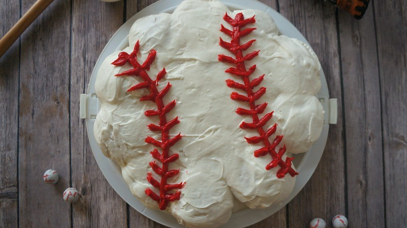 Baseball Cake with Cupcakes, How To Make a Pull Apart Cupcake Cake