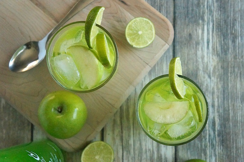 You will love this sparkling apple fizz cocktail recipe, made with Alize Apple