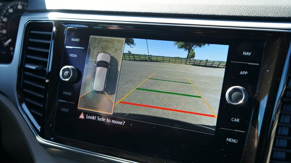 2018 VW Atlas review, rear view camera