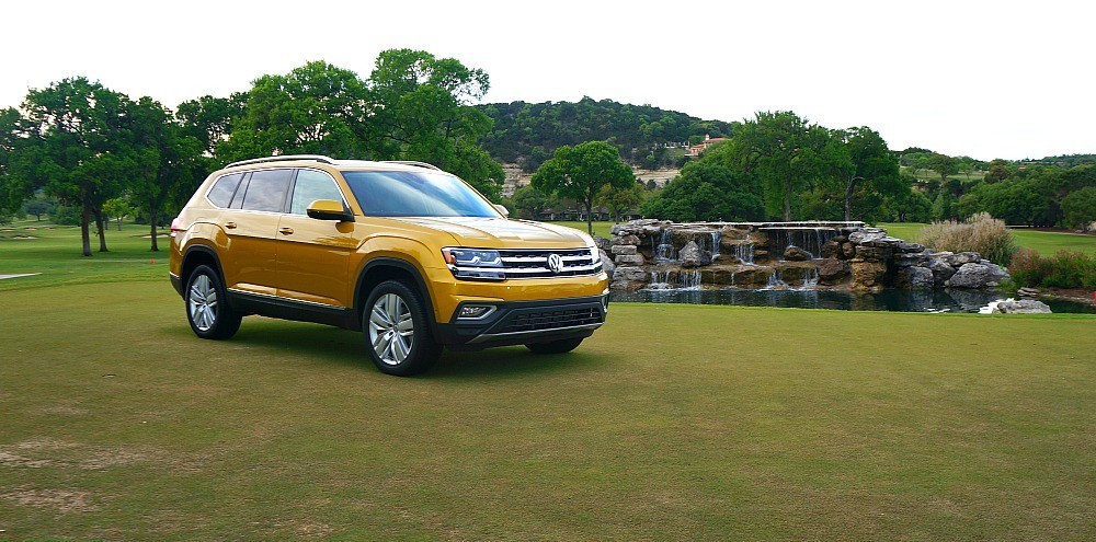 2018 Volkswagen Atlas SUV in kurkuma yellow metallic at Tapatio Springs Resort, Boerne, TX