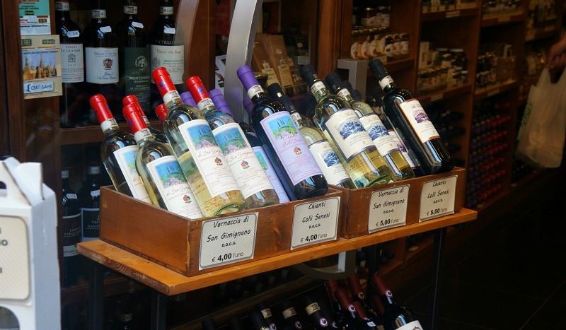 Italian wine, San Gimignano, Tuscany, Italy