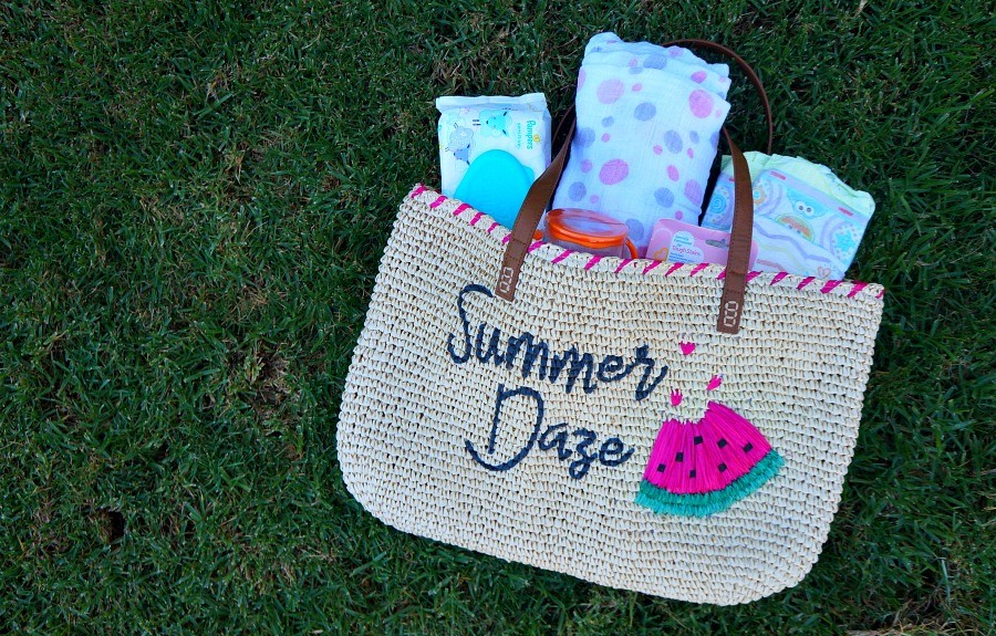 5 fun and engaging places to take baby this summer - win a summer daze tote filled with summer essentials for baby