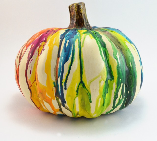 Melted crayon pumpkin decorating tutorial - decorating pumpkins without carving by Mom Spark