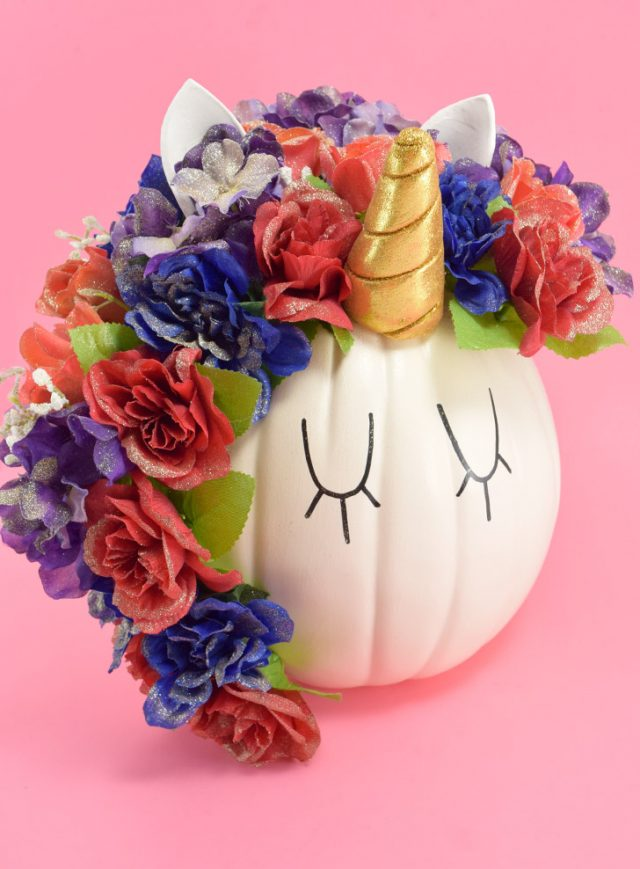 No carve pumpkin decorating ideas - This unicorn pumpkin by Mom Spark is too cute, and an easy way to decorating pumpkins without carving!