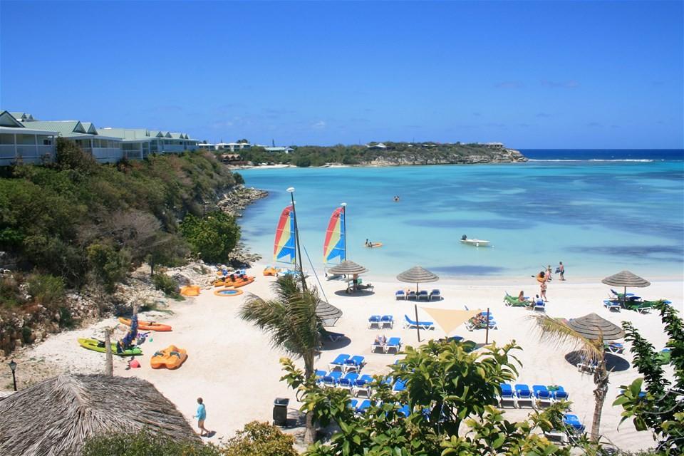 Photos of Antigua beaches, beautful view of the ocean at the Verandah Resort in Antigua