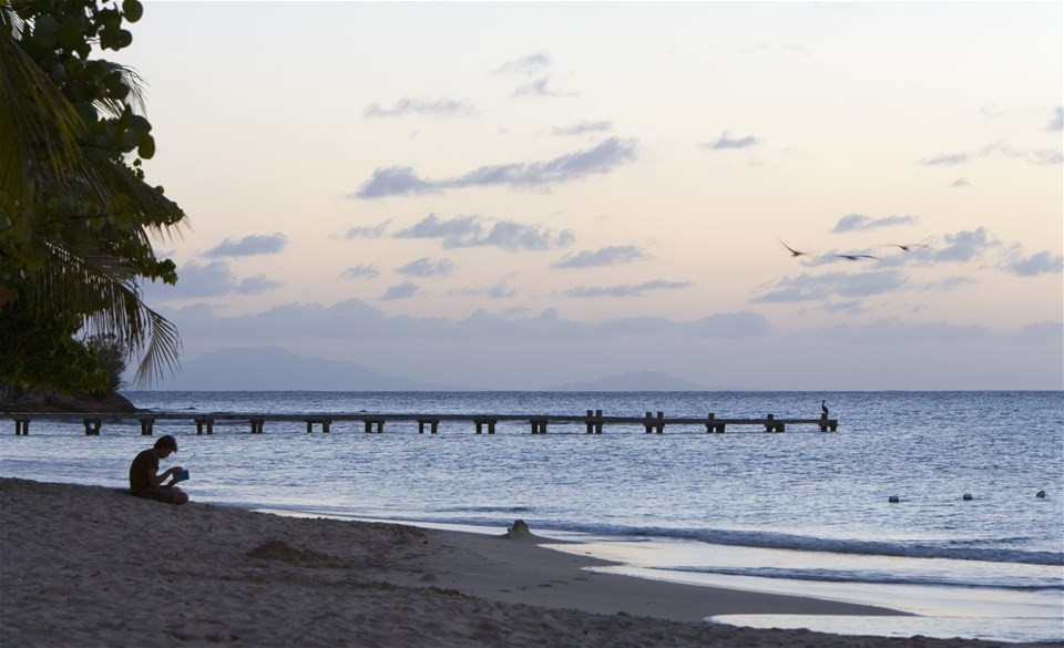 Pictures of beaches in Antigua, Pigeon Beach at dusk