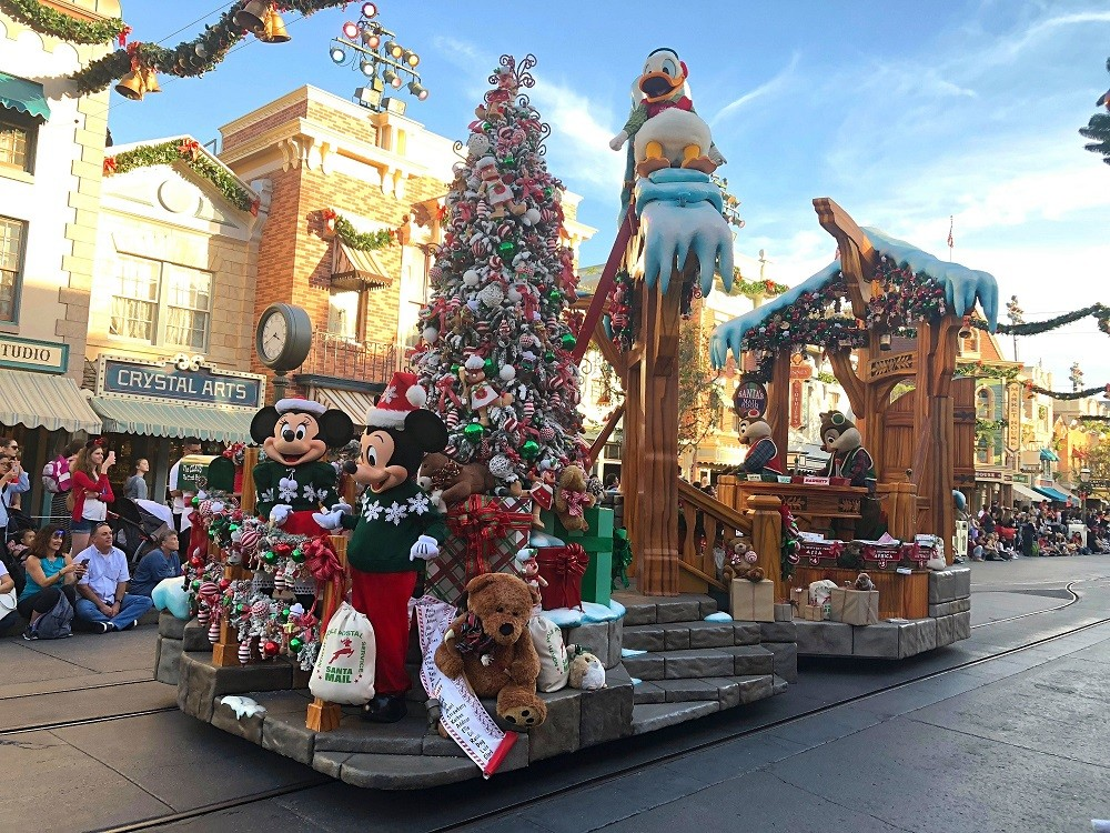 A Christmas Fantasy parade Disneyland Holidays 2017