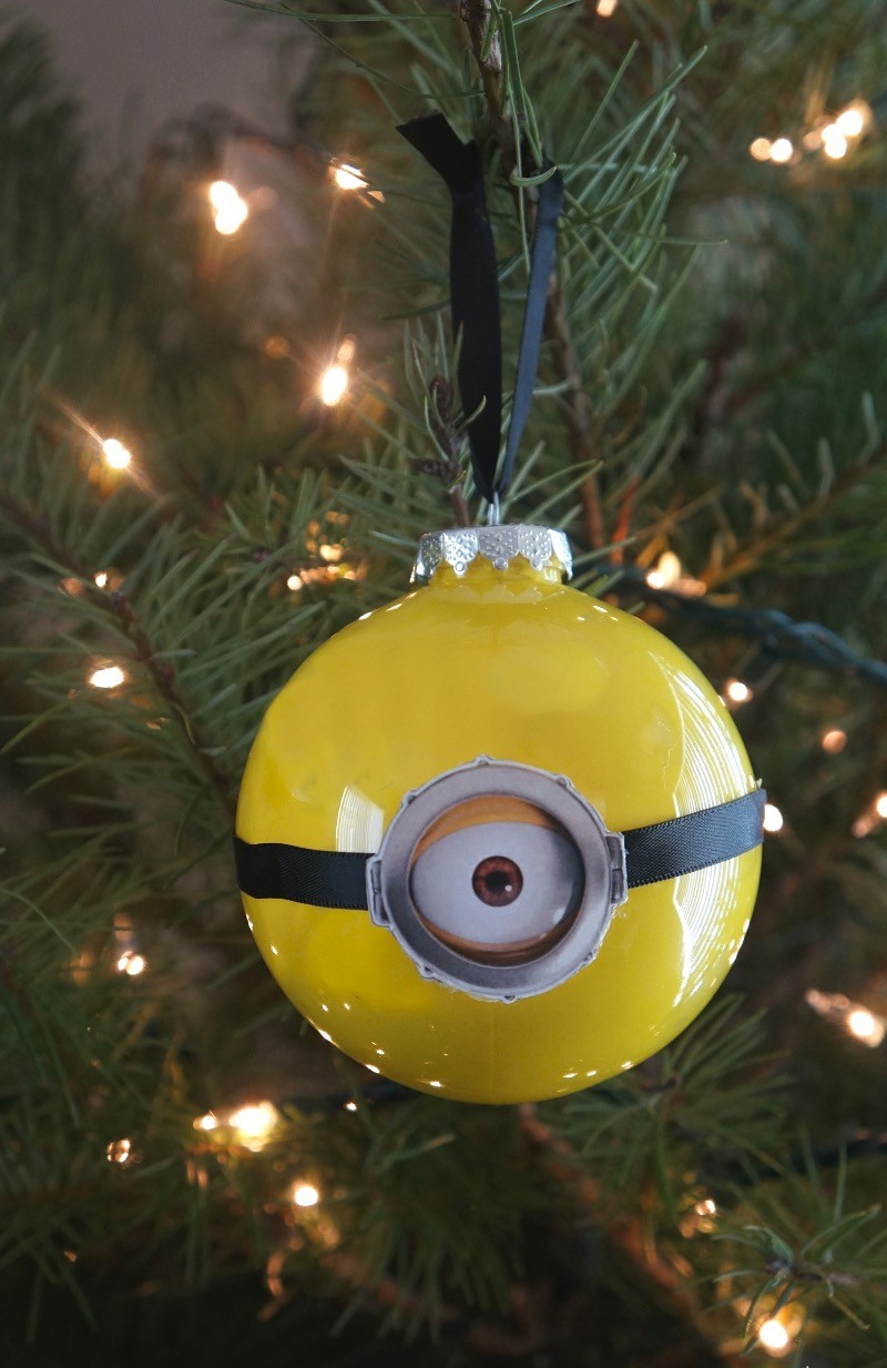 DIY Minion ornaments with One Eyed Kevin