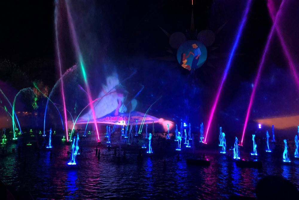 World of Color - Season of Lights at Disneys California Adventure Park 2017
