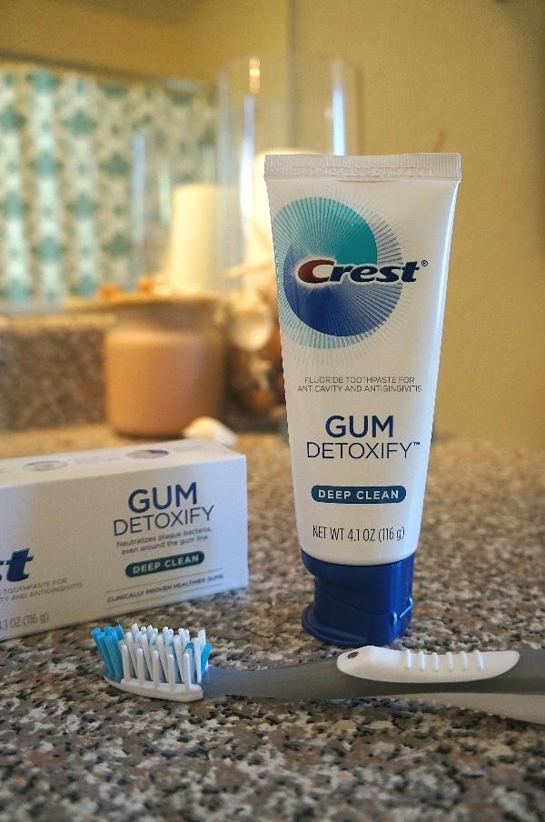 NEW Crest® Gum Detoxify™ toothpaste