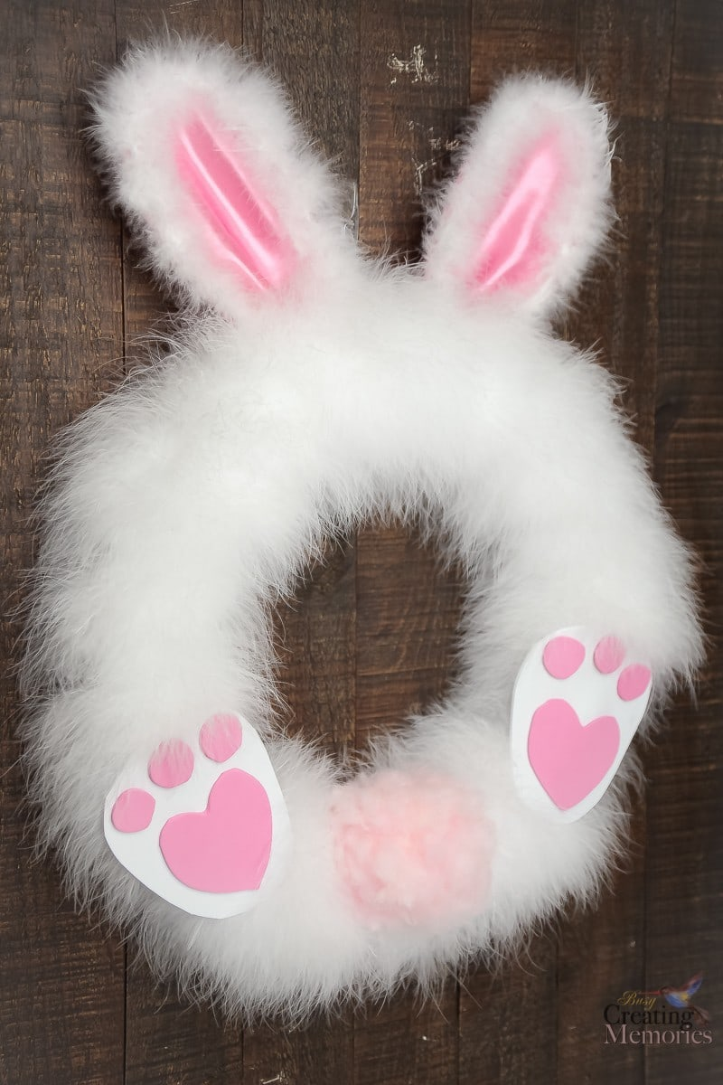 DIY-Fluffy-easter-bunny-wreath