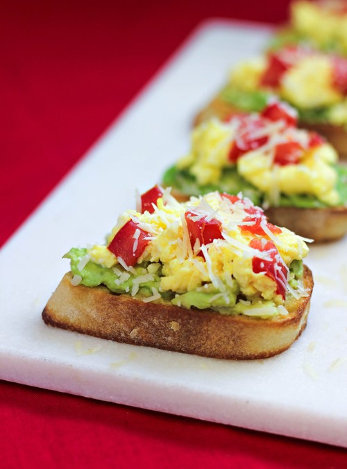 Egg avocado Breakfast Crostini - Home cooking memories